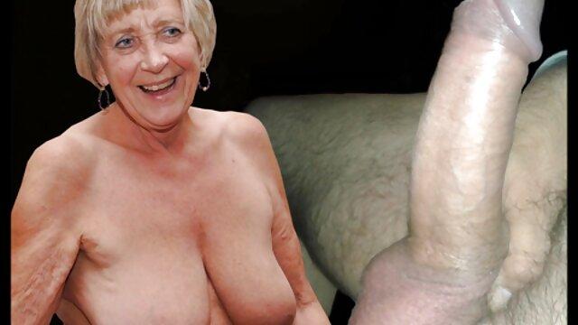 XXX没有注册  和她一起走的女孩。 奶奶视频热